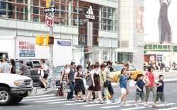 Shoppers on the busy streets of New York&#8217s Soho neighborhood