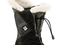 A fall &#821710 boot featuring Omni-Heat