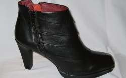 Oh Shoes&#8217 zip-up bootie with decorative pleating