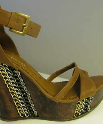 Violet Tash fall 10 wedge sandal