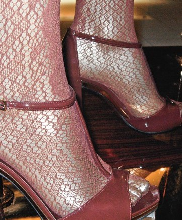 Gucci&#8217s patent T-strap sandals