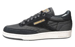 Reeboks running shoe in suede and canvas