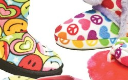 MeyeWorld has signed a licensing deal with Beeposh LLC to produce a full line of kids&#8217 shoes inspired by Beeposh&#8217s popular apparel stuffed toys room d&#233cor and accessories