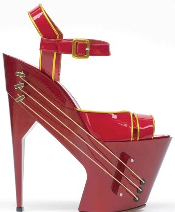 The E-Shoe guitar a collaboration between shoe designer Max Kibardin Chicks on Speed and Hangarorg