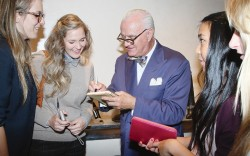 Manolo Blahnik and fans