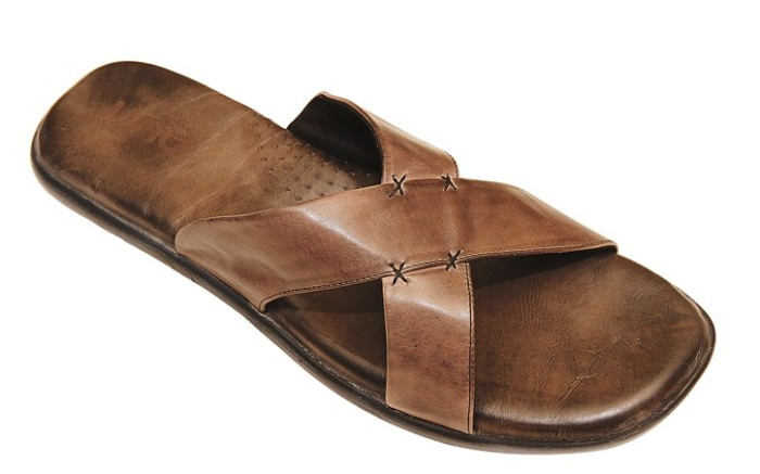 Crisscross sandal in antiqued leather by AURI