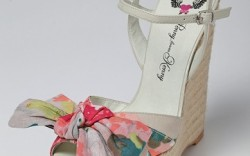 PENNY LOVES KENNY&#8217s floral wedge with oversized tie