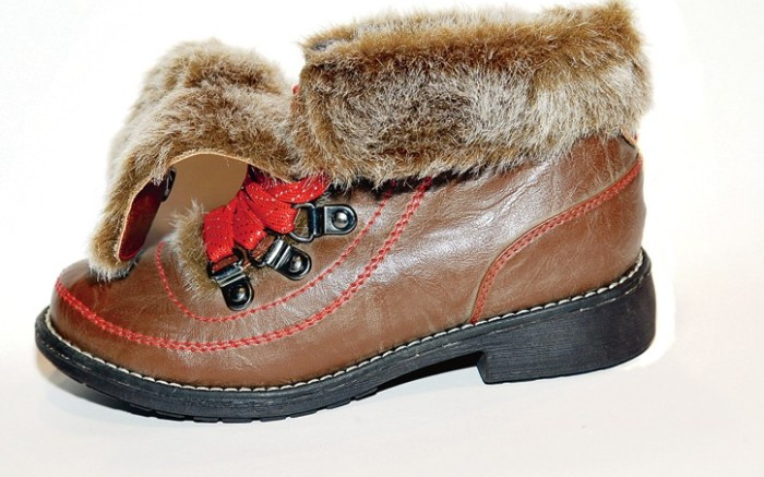 Short boot with faux-fur lining and cuff by STEVIES