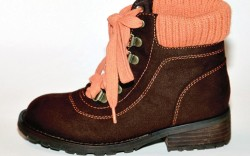 MIA&#8217s brown boot with sweater knit collar