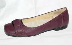 Flat with oversized buckle by TROTTERS