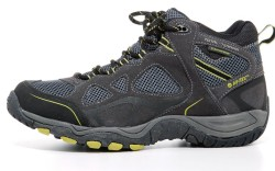 HI-TEC&#8217s mid-cut waterproof boot