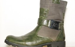 J75 BY JUMP&#8217s lug-sole boot with canvas and leather