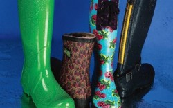 HUnTER&#8217s tall apple-green style MOOV BOOT&#8217s fur-lined leaf-print version BETSEY JOHnSOn&#8217s floral-print look with laces STEVE MADDEn&#8217s tall back-zip boot with buckles