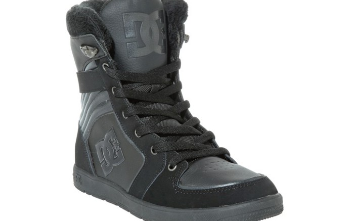 Women&#8217s fleece-lined high-top by DC SHOES