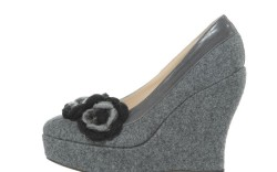 Platform wedge with floral touches by MARTINEZ VALERO