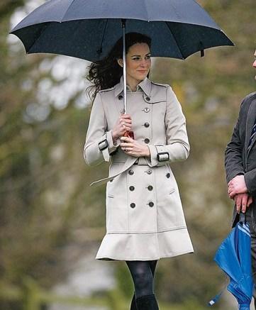 Princess-to-be Kate Middleton in Aquatalia