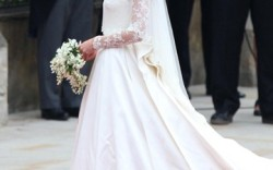 Kate Middleton arrives at Westminster Abbey London before her marriage to Prince William