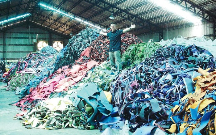 Brett Ritter an 18-year footwear veteran noticed enormous piles of EVA foam sheets on overseas factory floors so Ritter and business partner Jason Stanson founded PlusFoam