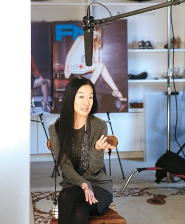 For the third challenge FN Shoe Star called in bridal powerhouse Vera Wang and one of her clients Elizabeth Aguilar to join the judges panel
