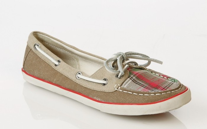Boat shoe with contrast colors by ROCK & CANDY