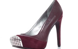 Perforated metal toe on Enzo Angiolini&#8217s suede and leather pump