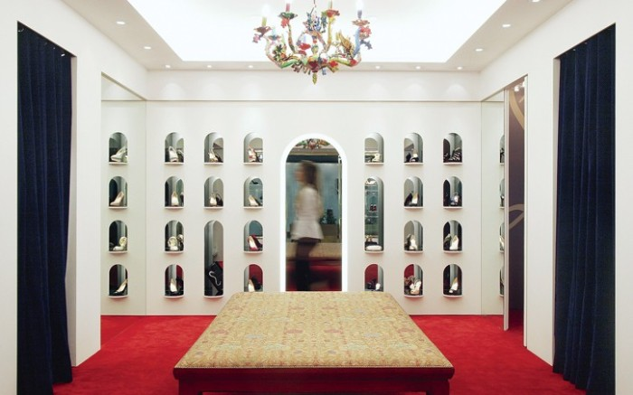 Christian Louboutin&#8217s Las Vegas store features similar design to Sa&#771o Paolo location here