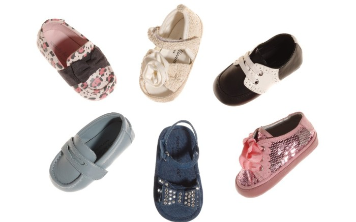 Leopard-print loafer Crocheted peep-toe Mary Jane Two-tone oxford Pink sequined sneaker Sandal embellished with studded bow Diving moc