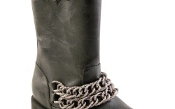 Mid-height style with glitter-encrusted chains by Nina