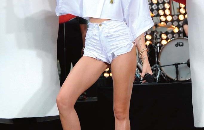 Miley Cyrus TUK