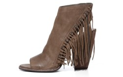 Dolce Vita&#8217s Noralee heel with knotted chain and fringe