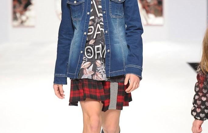 Fun & Fun Girl&#8217s fall &#821714 look mixes a traditional tartan skirt with a funky printed T-shirt
