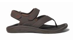 FN Footwear News Olukai