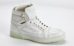 Men's Trend: White Kicks