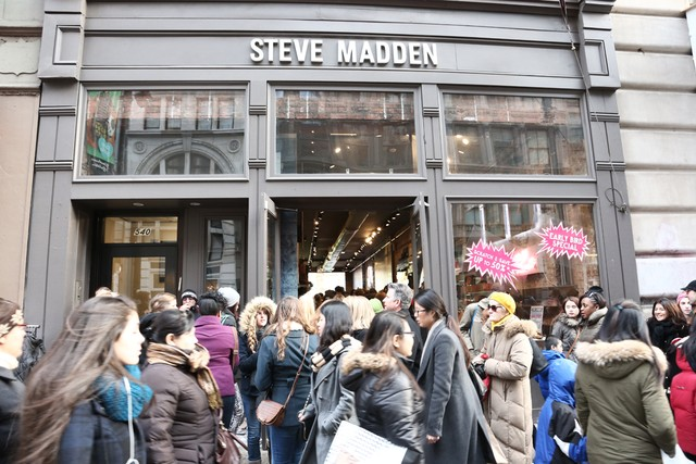 Florecer Cercanamente Sufijo  Steve Madden Q3 2019: Earnings, Sales Beat Expectations; Stock Soars –  Footwear News