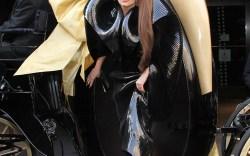 Lady Gaga vs. Mariah Carey Shoe-Down
