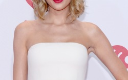 Taylor Swift to Perform on New