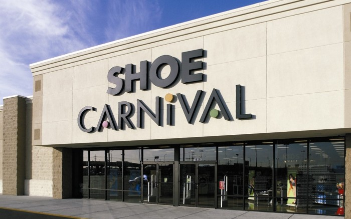 Shoe Carnival store