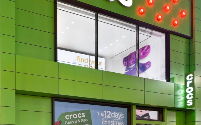 Crocs Holiday Window