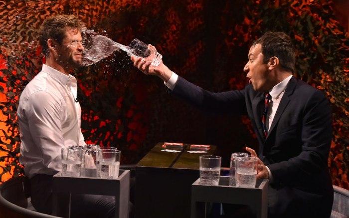 Chris Hemsworth and Jimmy Fallon play Water War