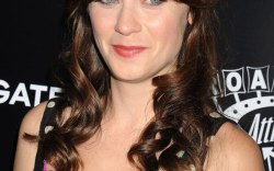 Zooey Deschanel pregnancy news