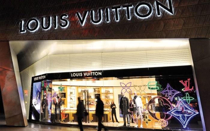 David Bromstad; Louis Vuitton