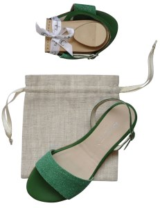 Bagllerina folding sandals in green.