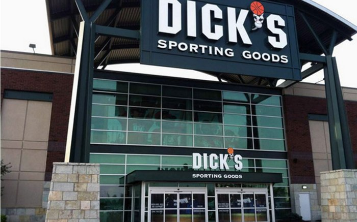 Dick's store front