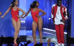 Diddy BET Awards On Stage Style