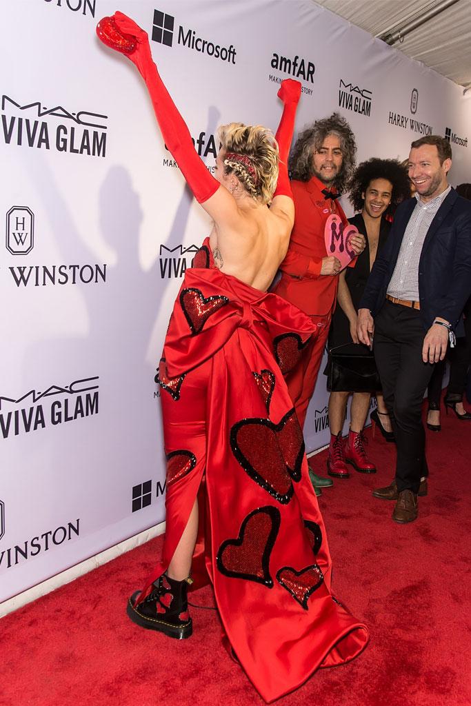 Miley Cyrus amfAR Gala