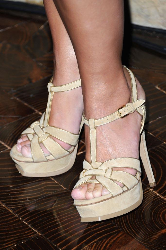 Feet shania twain Shania Twain