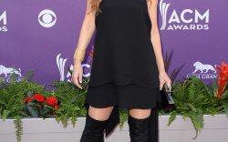 Shania Twain Shoe Style