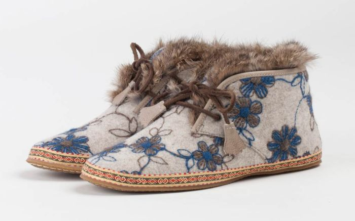 Anna Sui Frye shoes collection