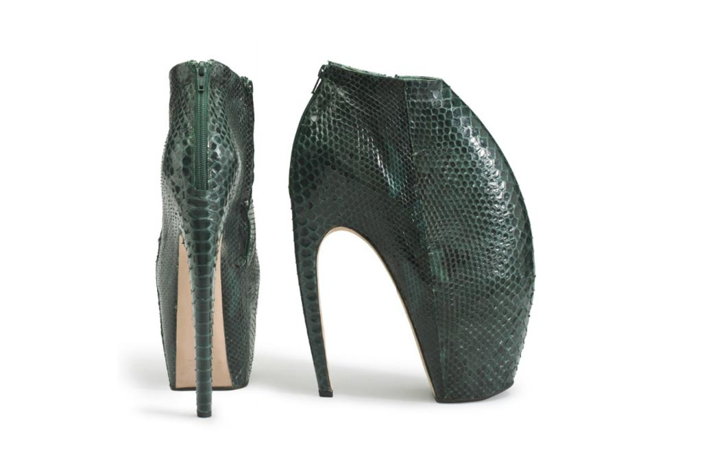 Alexander McQueen Armadillo Shoes Bring