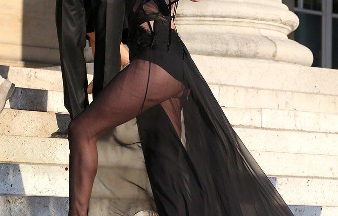 Rosie Huntington Whiteley Paris Fashion Week